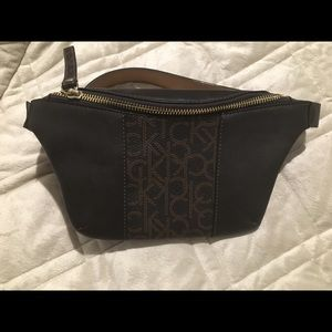Calvin Klein waist fanny pack size S NWT!!!